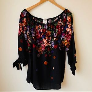 Tops - LATE AUGUST FLORAL TOP